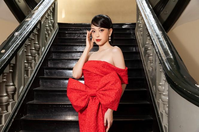 Đỗ Thị Hà diện váy đỏ rực khoe chân dài miên man, đọ sắc đàn chị Tiểu Vy-Hà Kiều Anh - ảnh 10