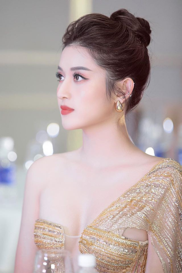 'Đụng hàng' tới 5 mỹ nhân showbiz, Á hậu Phương Anh vẫn được khen đẹp tựa 'nữ thần' - ảnh 7