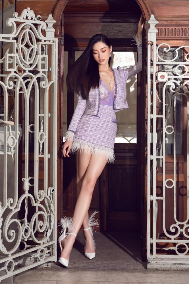 Đỗ Thị Hà nền nã với áo dài, Hoàng Thuỳ diện váy xuyên thấu hoá 'mỹ nhân ngư' - ảnh 5