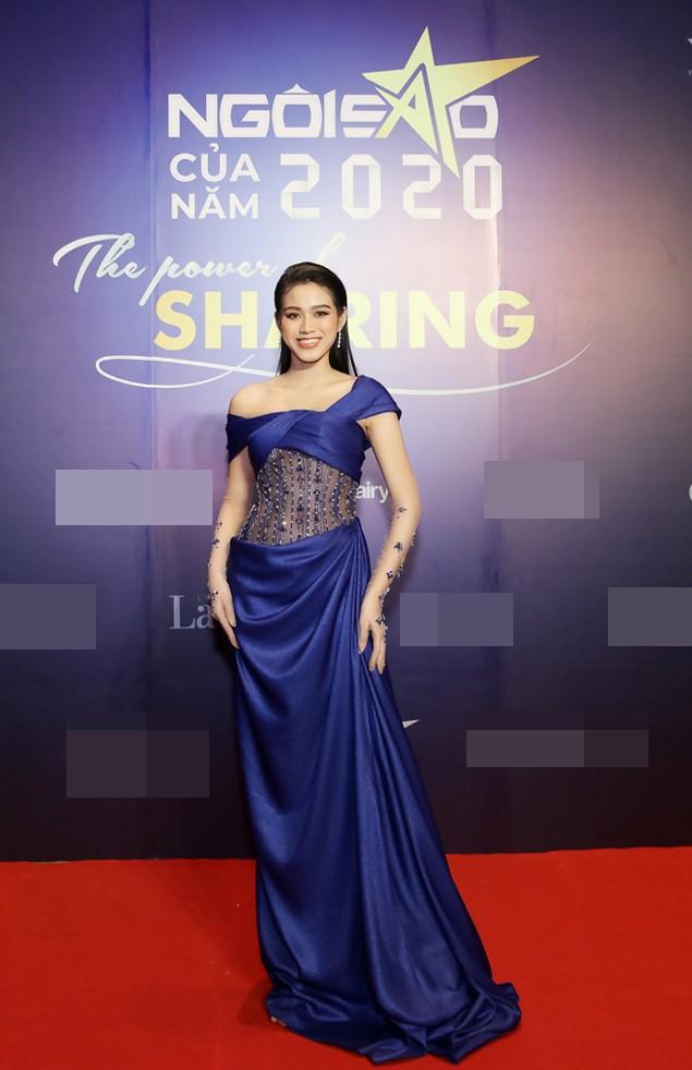 Hoa hậu Đỗ Thị Hà lộng lẫy tựa 'nữ thần', Á hậu Ngọc Thảo diện váy xẻ khoe chân dài 1m11 - ảnh 1