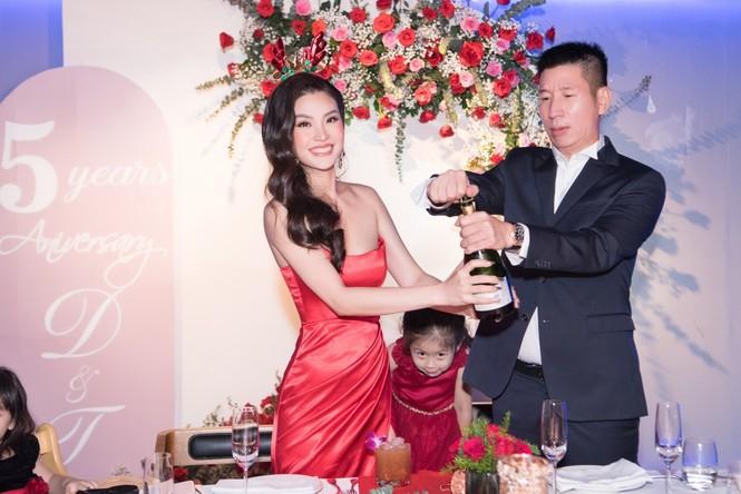 Top 3 HHVN 2014: Kỳ Duyên-Huyền My miệt mài hoạt động showbiz, Diễm Trang yên bề gia thất - ảnh 11