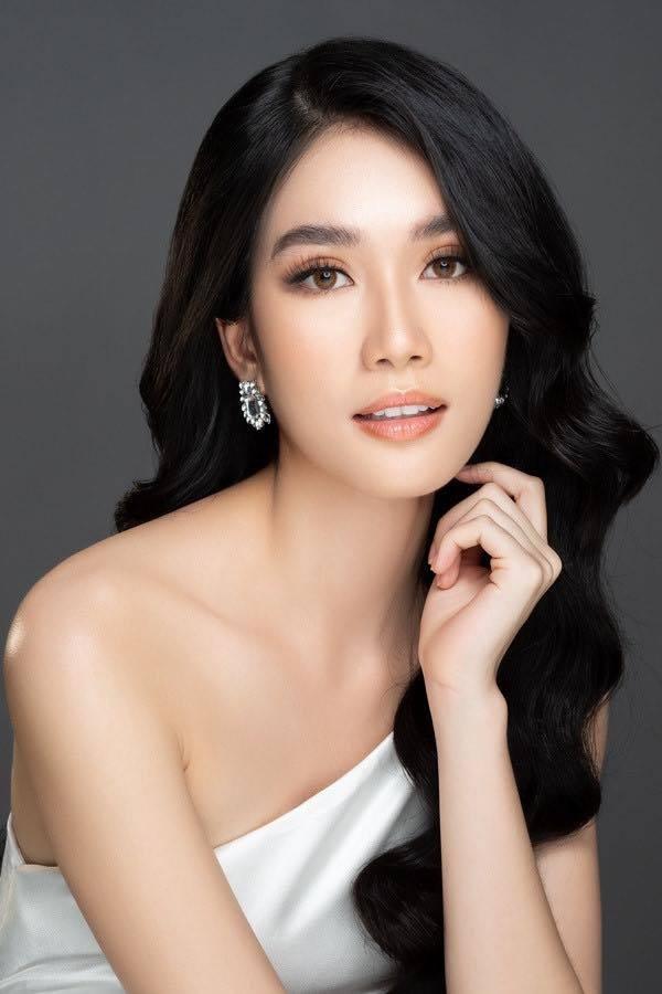 Á hậu Phương Anh livestream bằng tiếng Anh với giám đốc quốc gia Miss International - ảnh 2