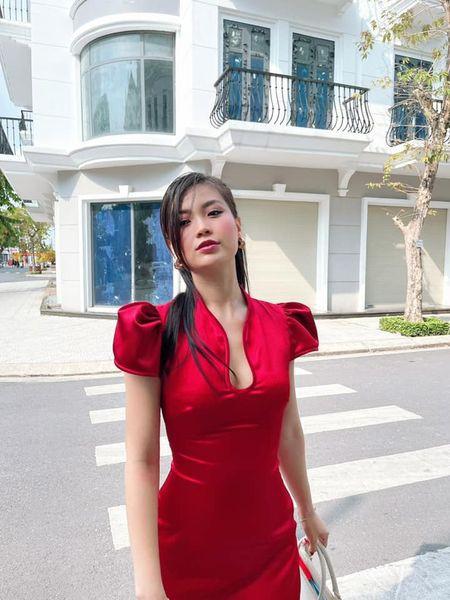 Tiểu Vy khoe thần thái 'đỉnh cao' tựa fashionista, Cẩm Đan vai trần quyến rũ - ảnh 12