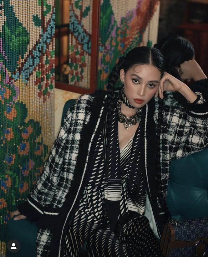 Tiểu Vy khoe thần thái 'đỉnh cao' tựa fashionista, Cẩm Đan vai trần quyến rũ - ảnh 2