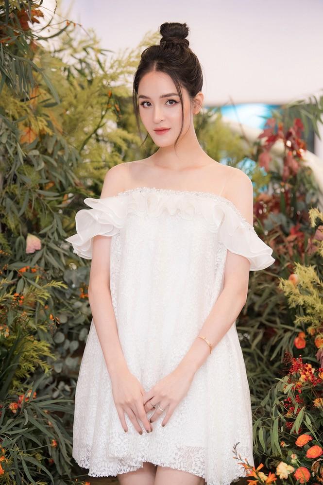 Top 3 HHVN 2012: Hoa hậu Đặng Thảo và 2 á hậu đều có hôn nhân viên mãn - ảnh 16
