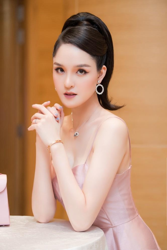 Top 3 HHVN 2012: Hoa hậu Đặng Thảo và 2 á hậu đều có hôn nhân viên mãn - ảnh 17