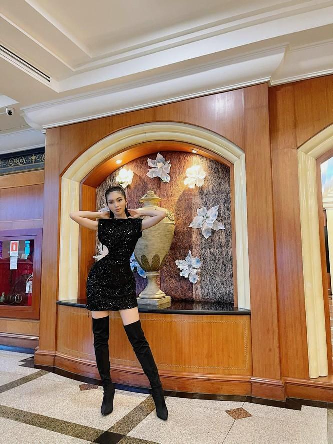 Vừa hết cách ly, Ngọc Thảo 'lên đồ' cực sang chảnh đi làm nail cùng Hoa hậu Philippines - ảnh 2
