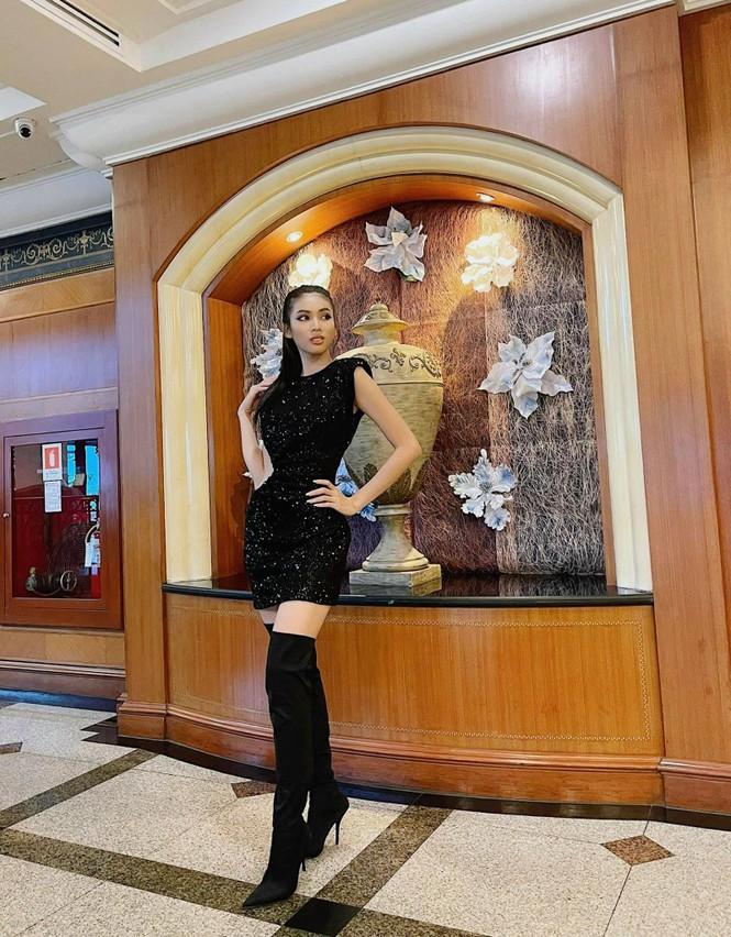 Vừa hết cách ly, Ngọc Thảo 'lên đồ' cực sang chảnh đi làm nail cùng Hoa hậu Philippines - ảnh 1