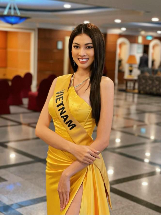 Ngọc Thảo mặc màu vàng 'phong thuỷ' cực lộng lẫy bước vào vòng phỏng vấn ở Miss Grand  - ảnh 5