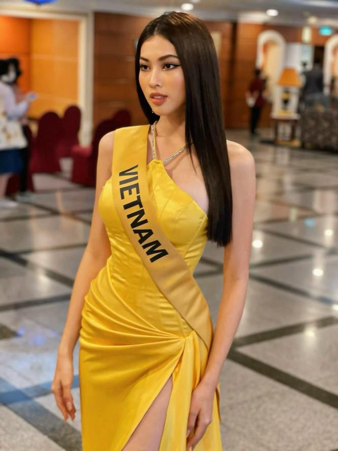 Ngọc Thảo mặc màu vàng 'phong thuỷ' cực lộng lẫy bước vào vòng phỏng vấn ở Miss Grand  - ảnh 6