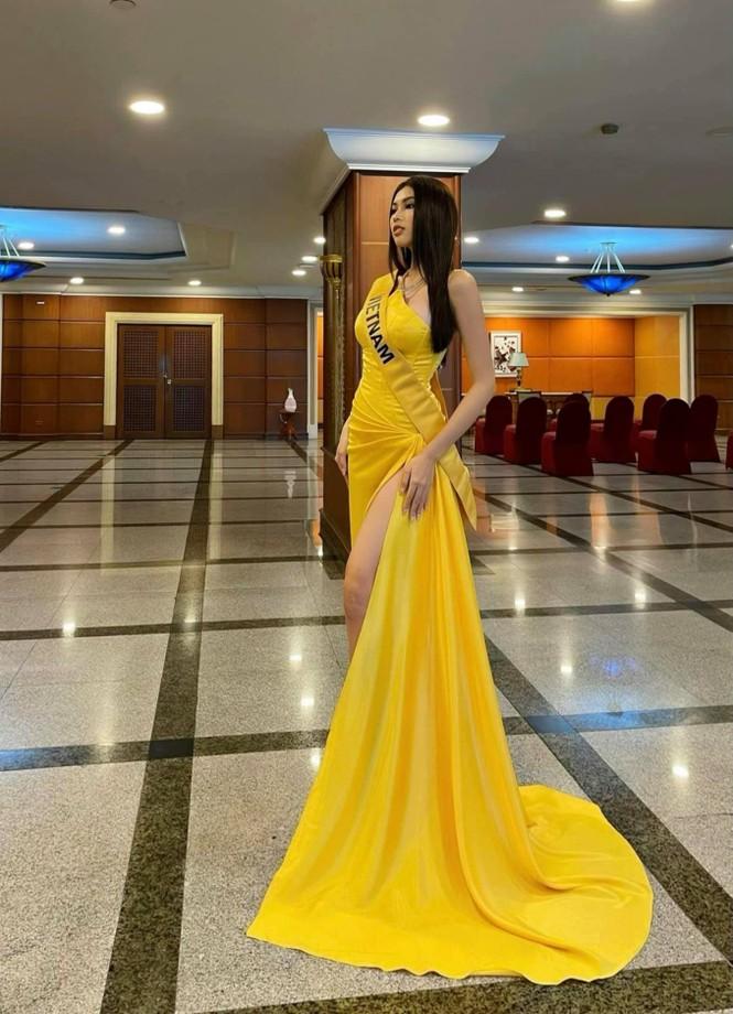 Ngọc Thảo mặc màu vàng 'phong thuỷ' cực lộng lẫy bước vào vòng phỏng vấn ở Miss Grand  - ảnh 2