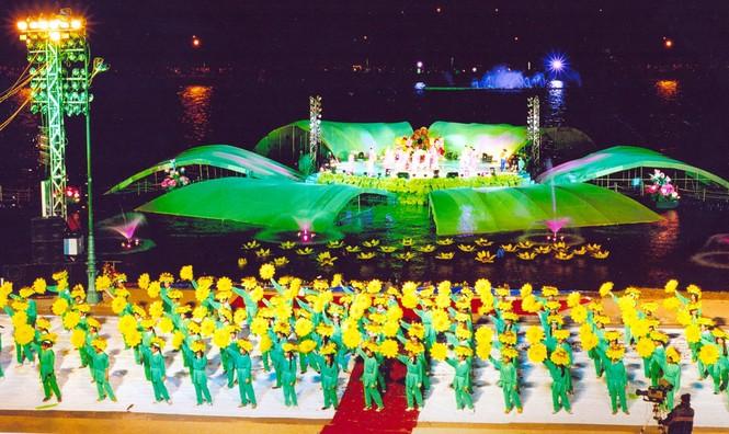 Cho học sinh toàn thành phố Đà Lạt nghỉ học để khai mạc Festival hoa - ảnh 1