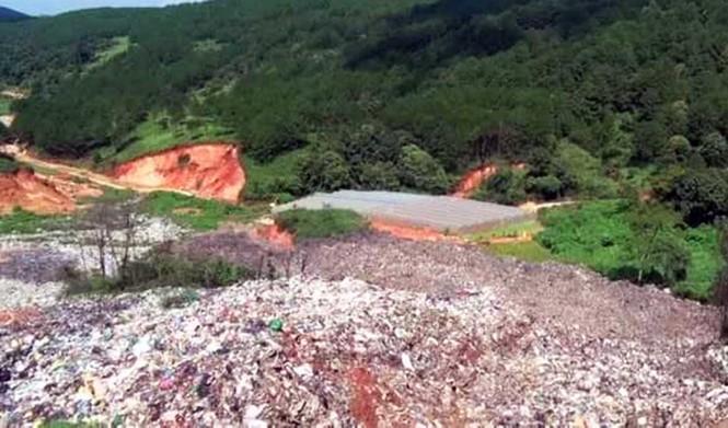 Núi rác ở Đà Lạt sạt lở hàng trăm tấn, mùi hôi thối bao phủ khắp nơi - ảnh 3