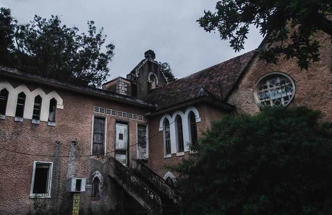 Đà Lạt: Những địa điểm chụp ảnh 'ma ám' mùa Halloween - ảnh 2