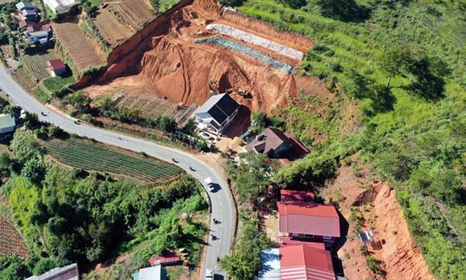 Đà Lạt: Đào khoét, san gạt đất bừa bãi, nhiều nơi bị sạt lở - ảnh 5