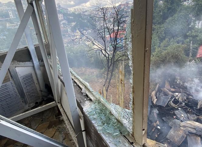 Xưởng gỗ và 3 phòng trọ bốc cháy ngùn ngụt ở Đà Lạt - ảnh 3