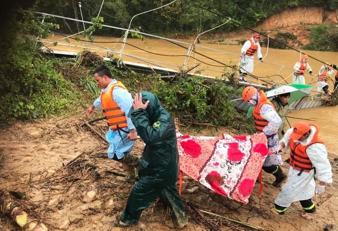 Thi thể cuối cùng trong nhóm du khách gặp nạn ở Lâm Đồng mắc kẹt dưới cầu sập - ảnh 2