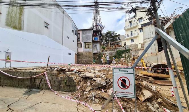Xây khách sạn 5 tầng hầm gây sự cố, phải bồi thường cho 12 hộ dân - ảnh 4