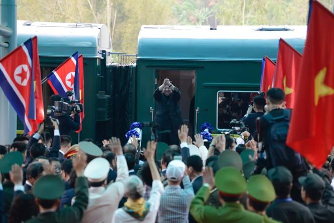Lãnh đạo Đảng, Nhà nước tiễn Chủ tịch Kim lên tàu về nước - ảnh 6