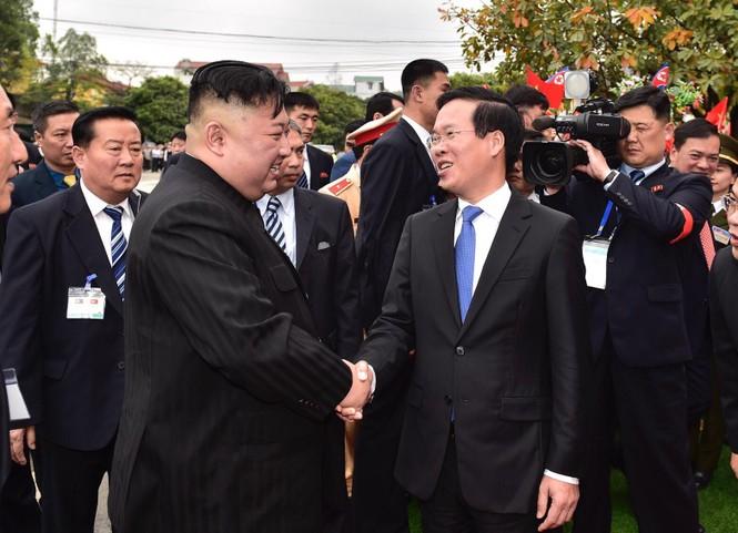 Lãnh đạo Đảng, Nhà nước tiễn Chủ tịch Kim lên tàu về nước - ảnh 1