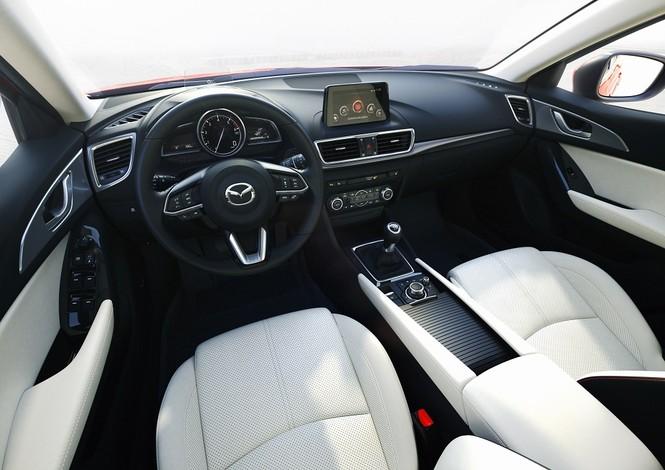 Vượt mốc 50.000 xe, Mazda3 ưu đãi lên đến 70 triệu đồng - ảnh 4
