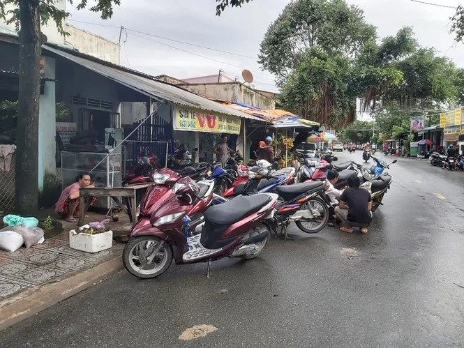 Nước 'lũ' rút, ô tô bị cuốn trôi, nhiều nhà dân ở Phú Quốc tan hoang - ảnh 9