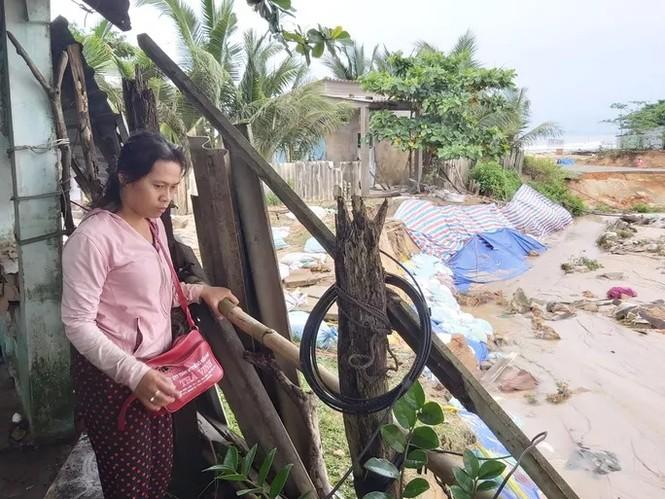 Nước 'lũ' rút, ô tô bị cuốn trôi, nhiều nhà dân ở Phú Quốc tan hoang - ảnh 2