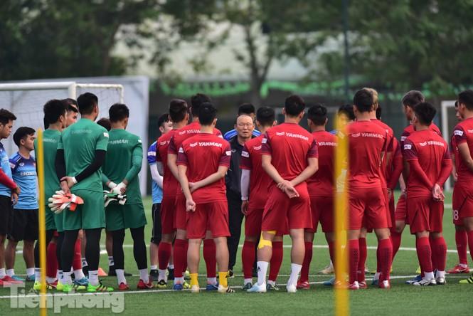 Đình Trọng tập luyện chính thức cùng U22 Việt Nam - ảnh 1