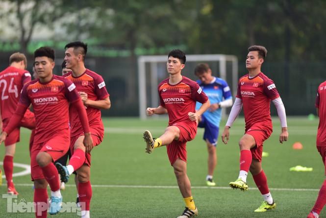 Đình Trọng tập luyện chính thức cùng U22 Việt Nam - ảnh 4