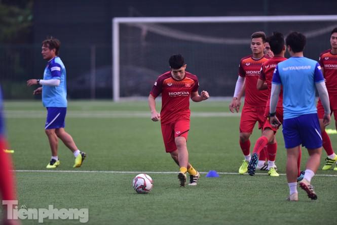 Đình Trọng tập luyện chính thức cùng U22 Việt Nam - ảnh 6