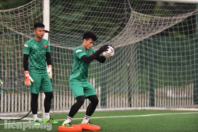 Đình Trọng tập luyện chính thức cùng U22 Việt Nam - ảnh 8