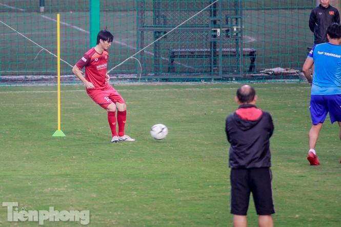 Park Hang Seo 'tung' giáo án lạ trước trận gặp UAE - ảnh 11