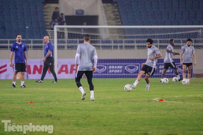 Mục kích UAE 'luyện công' trước trận đấu với tuyển Việt Nam - ảnh 12