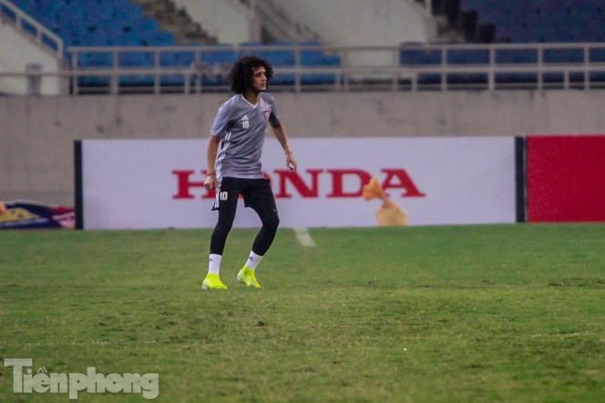 Mục kích UAE 'luyện công' trước trận đấu với tuyển Việt Nam - ảnh 8