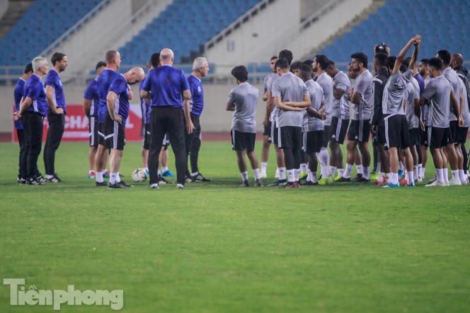 Mục kích UAE 'luyện công' trước trận đấu với tuyển Việt Nam - ảnh 2