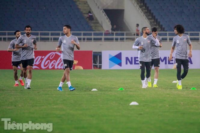 Mục kích UAE 'luyện công' trước trận đấu với tuyển Việt Nam - ảnh 4