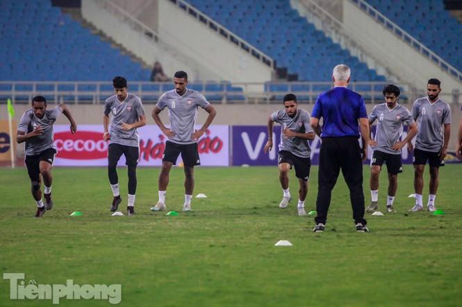 Mục kích UAE 'luyện công' trước trận đấu với tuyển Việt Nam - ảnh 7