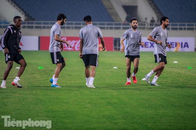 Mục kích UAE 'luyện công' trước trận đấu với tuyển Việt Nam - ảnh 10