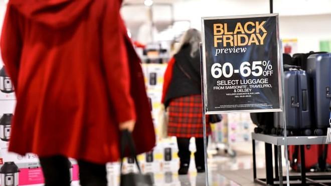 Black Friday bùng nổ tại các cửa hàng khắp thế giới - ảnh 1
