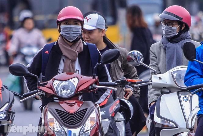 Hà Nội đón không khí lạnh: 'Đã nghe rét mướt luồn trong gió' - ảnh 9