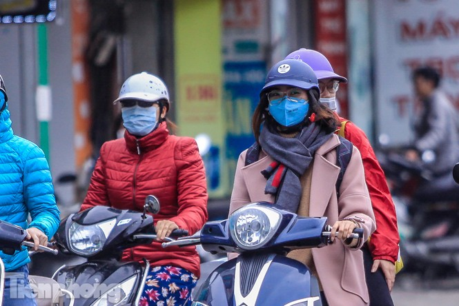 Hà Nội đón không khí lạnh: 'Đã nghe rét mướt luồn trong gió' - ảnh 2