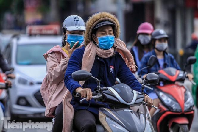 Hà Nội đón không khí lạnh: 'Đã nghe rét mướt luồn trong gió' - ảnh 3