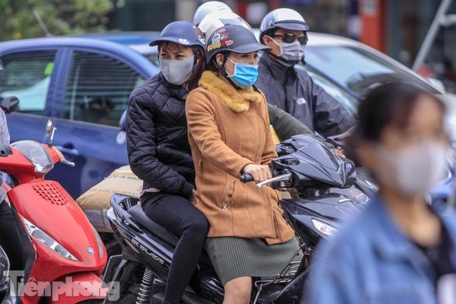 Hà Nội đón không khí lạnh: 'Đã nghe rét mướt luồn trong gió' - ảnh 6