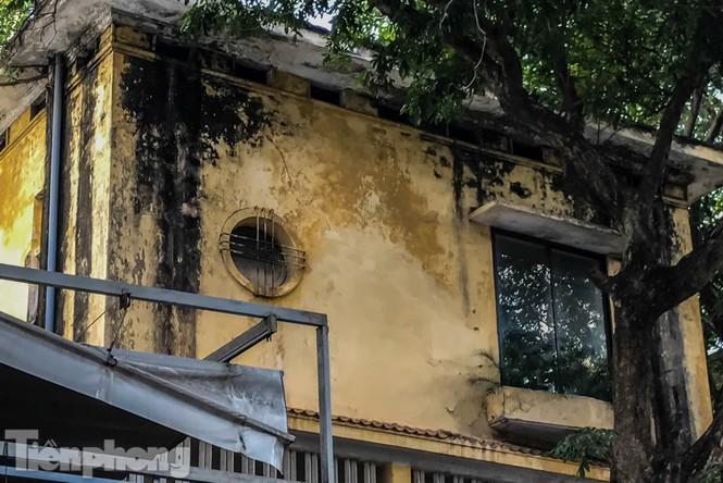 Biệt thự cổ Hà Nội thi nhau thành nhà hàng, quán nhậu - ảnh 3