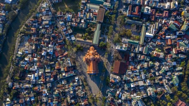 Toàn cảnh hai nhà thờ lớn ở Huế trong dịp Giáng sinh - ảnh 11