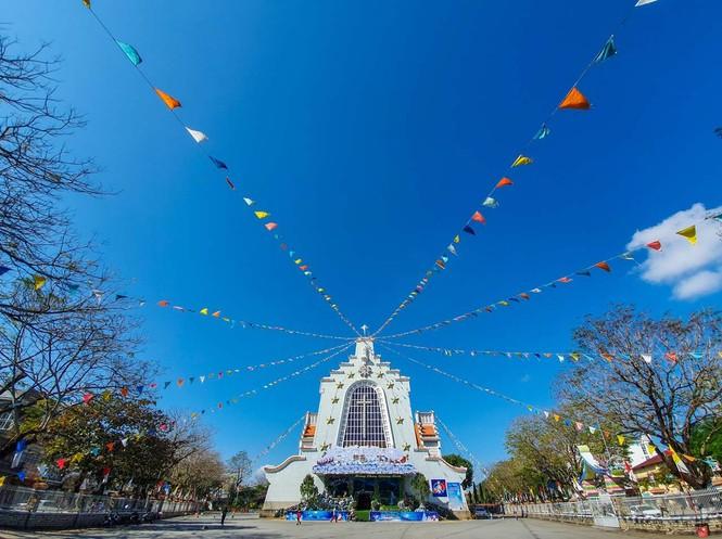 Toàn cảnh hai nhà thờ lớn ở Huế trong dịp Giáng sinh - ảnh 14