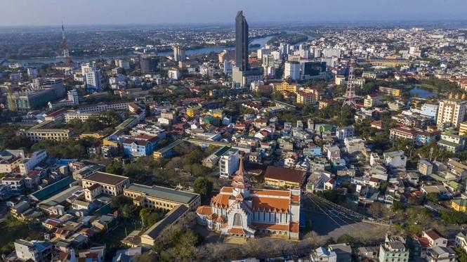 Toàn cảnh hai nhà thờ lớn ở Huế trong dịp Giáng sinh - ảnh 15