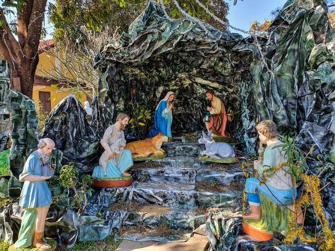 Toàn cảnh hai nhà thờ lớn ở Huế trong dịp Giáng sinh - ảnh 5