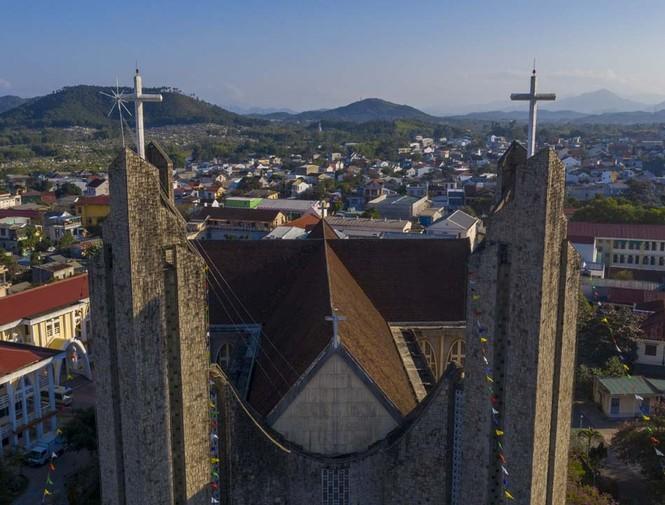 Toàn cảnh hai nhà thờ lớn ở Huế trong dịp Giáng sinh - ảnh 7