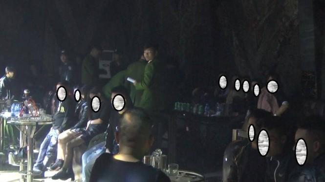 """80 nam nữ thanh niên """"bay lắc"""" trong quán bar ở Hưng Yên đêm cuối năm - ảnh 1"""
